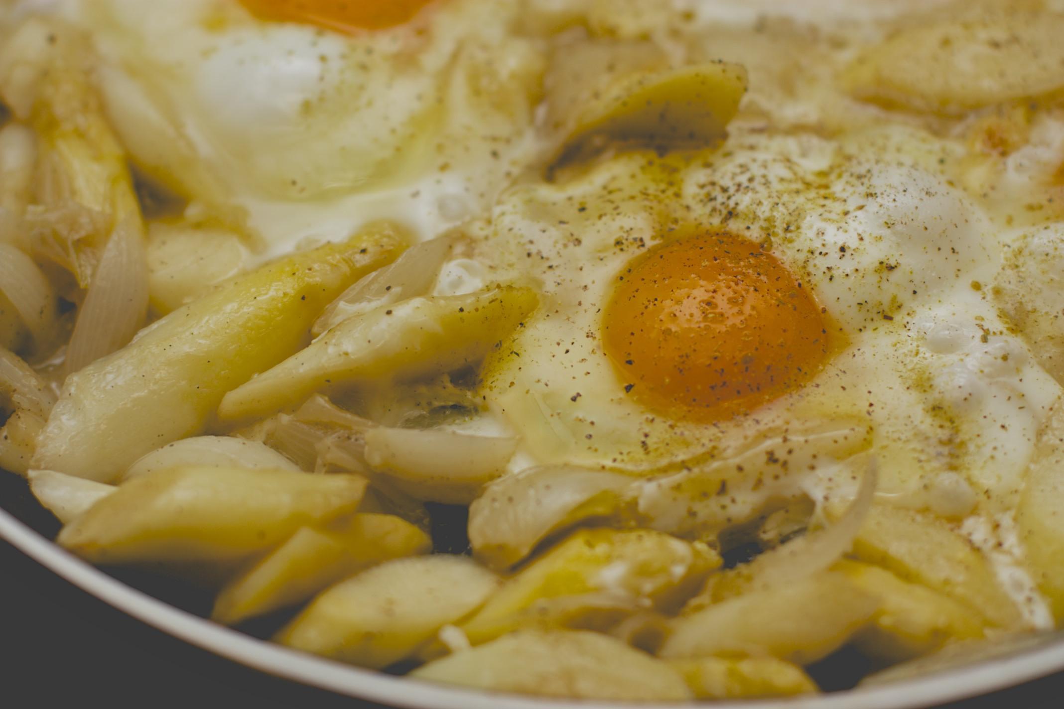 tegame di uova e asparagi alla vaniglia